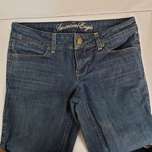 American Eagle 77 straight size 6 blue jeans